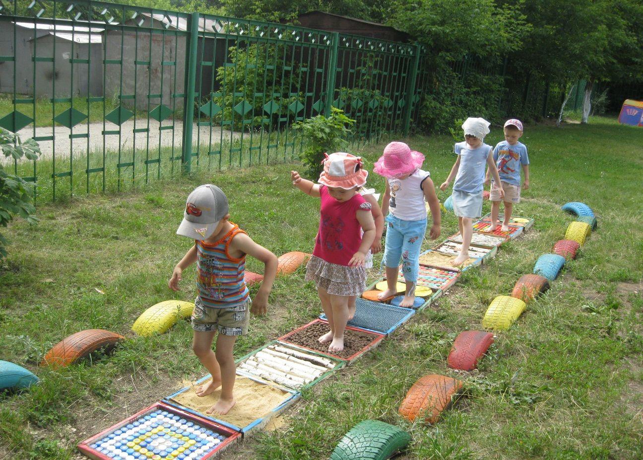 Чем украсить стены в детском саду своими руками