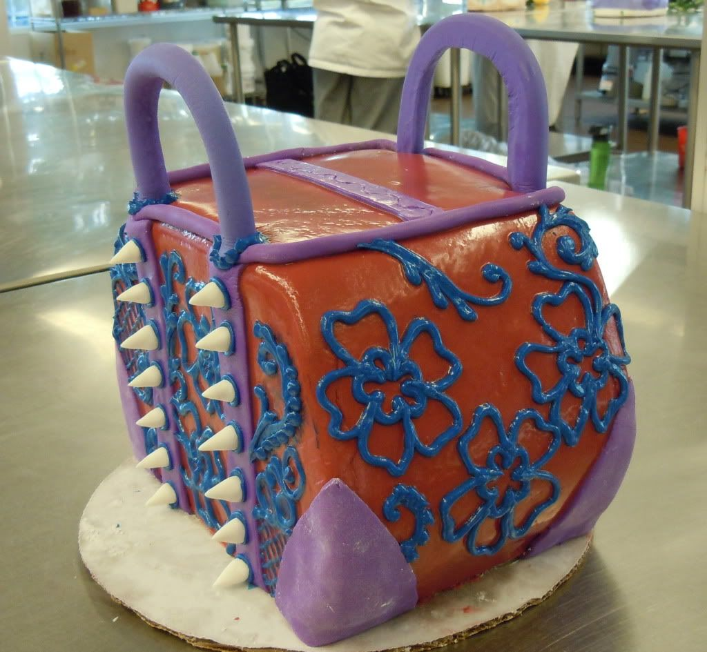 Anabelle's Purse Cake Photo:  This Photo was uploaded by cheriefranz. Find other Anabelle's Purse Cake pictures and photos or upload your own with Photob...