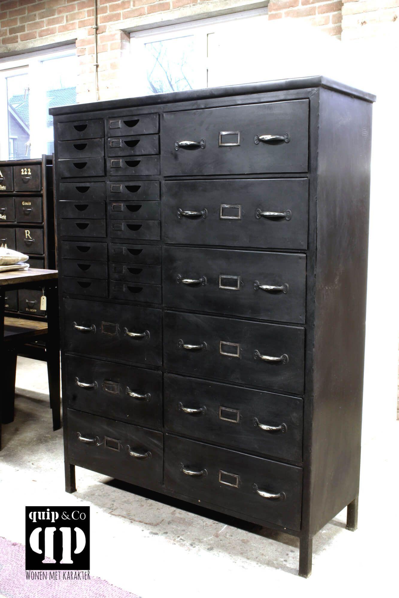 Industriële Ladenkast Met 27 Lades Van Ijzer Metaal
