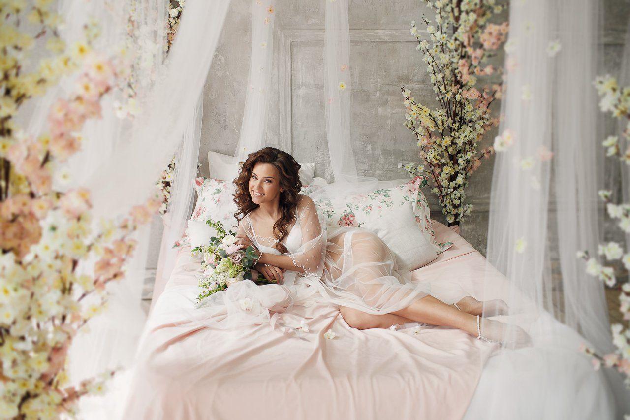 Свадебная фото в спальне