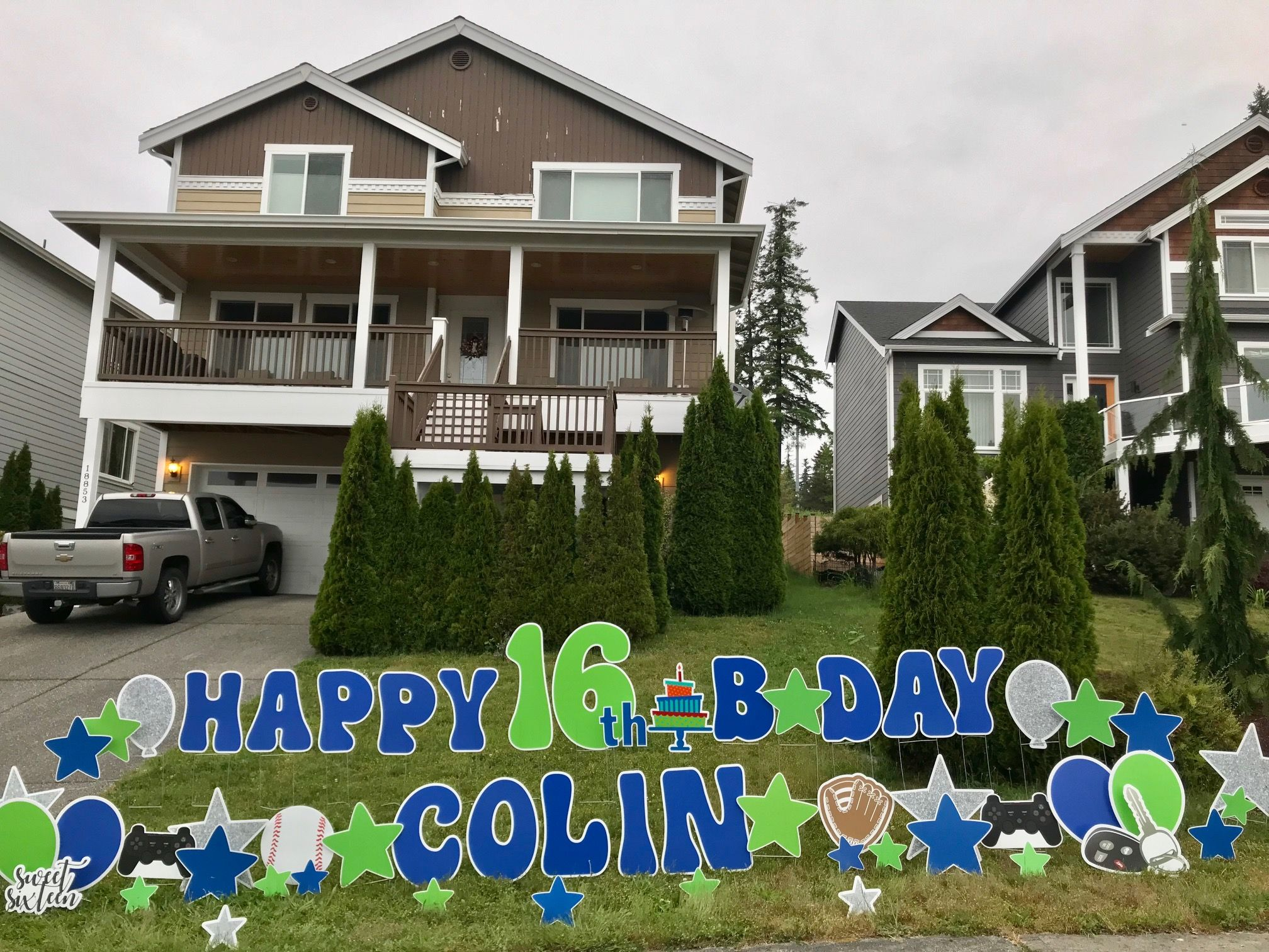 Happy Sweet 16 Birthday Yard Signs With Fun Yard Art Celebrate Big With A Yard Card Fun Birthday Signs For All O Birthday Yard Signs Birthday Sign Yard Cards