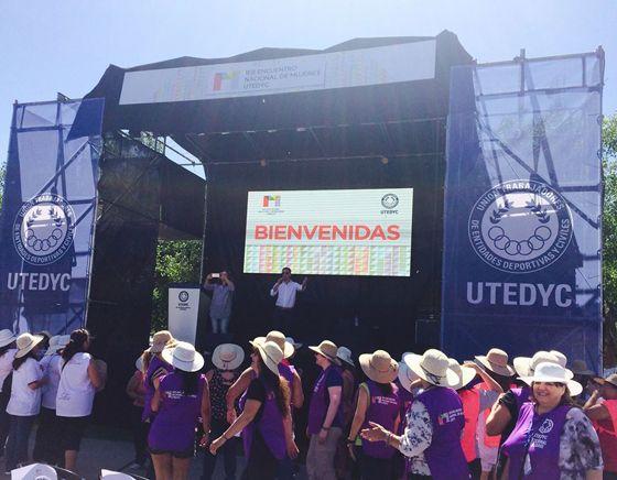 La Unión de Trabajadores de Entidades Deportivas y Civiles concreta su 1° Encuentro Nacional de Mujeres en Villa Elisa. El secretario general Carlos Bonjour refuerza el respaldo a las trabajadoras.