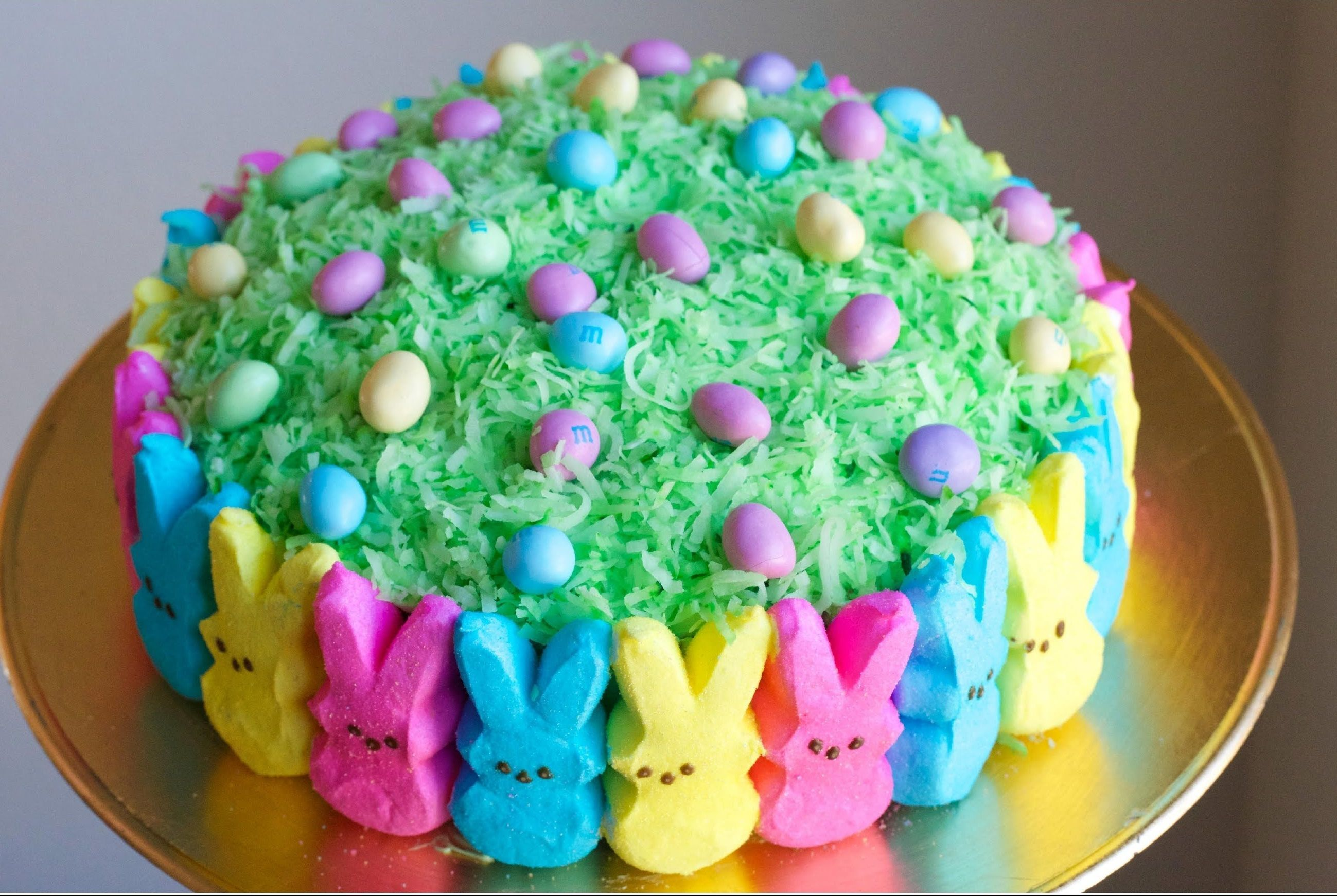 20+ Creative DIY Easter Bunny Cake Recipes --> DIY Easter Peep Cake #food #recipe #Easter #bunny_cake