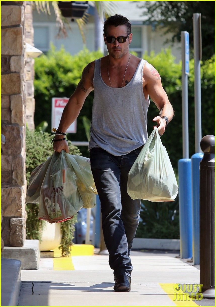 Need Help With Bi Level Exterior And Curb Appeal: Colin Farrell I Need Help With My Groceries Please.