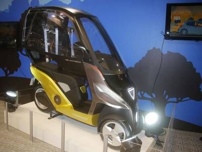 3-wheeled electric Velocipedo vehicle offers 93-mile range & 4 hour charge time