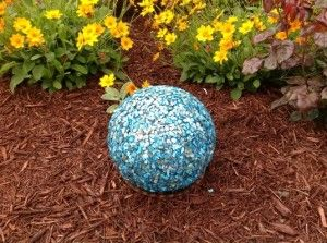 How To Decorate A Bowling Ball Easy Garden Art Craft After Becoming Inspireddecorated
