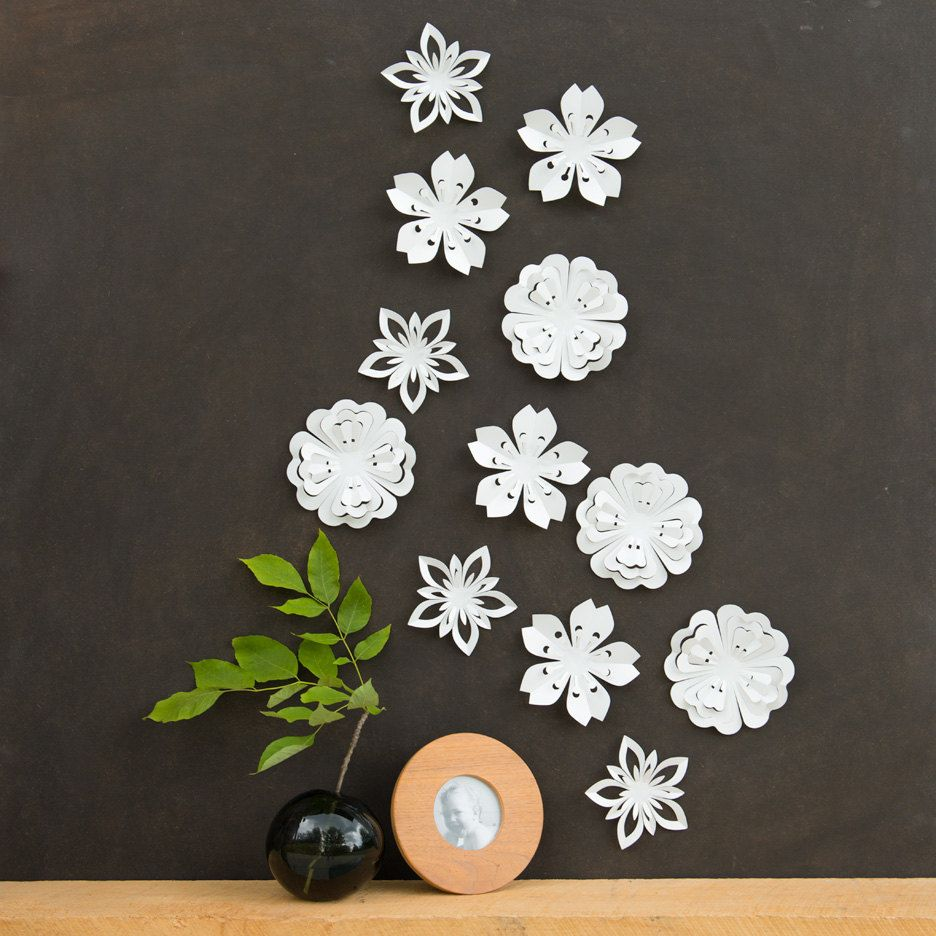 White Flower Wall Decor White Blossoms Pop Up Set Of 12 Made In Canada 20 00 Via Etsy Creatividad Decoracion De Unas Walle
