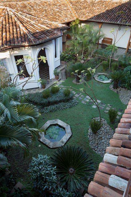 Neoclassical Colonial Mansion Casas en alquiler en