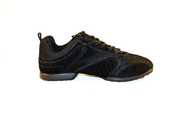 This practice sneaker is made with a suede leather and mesh combination. It offers excellent support and provides flexibility and comfort allowing you to wear them for many hours without hurting your feet. The sole is synthetic and is a split sole, giving you maximum flexibility. The Nero sneaker is available in black and Bordeaux. Rumpf sneakers fit small so when ordering please order one size bigger.