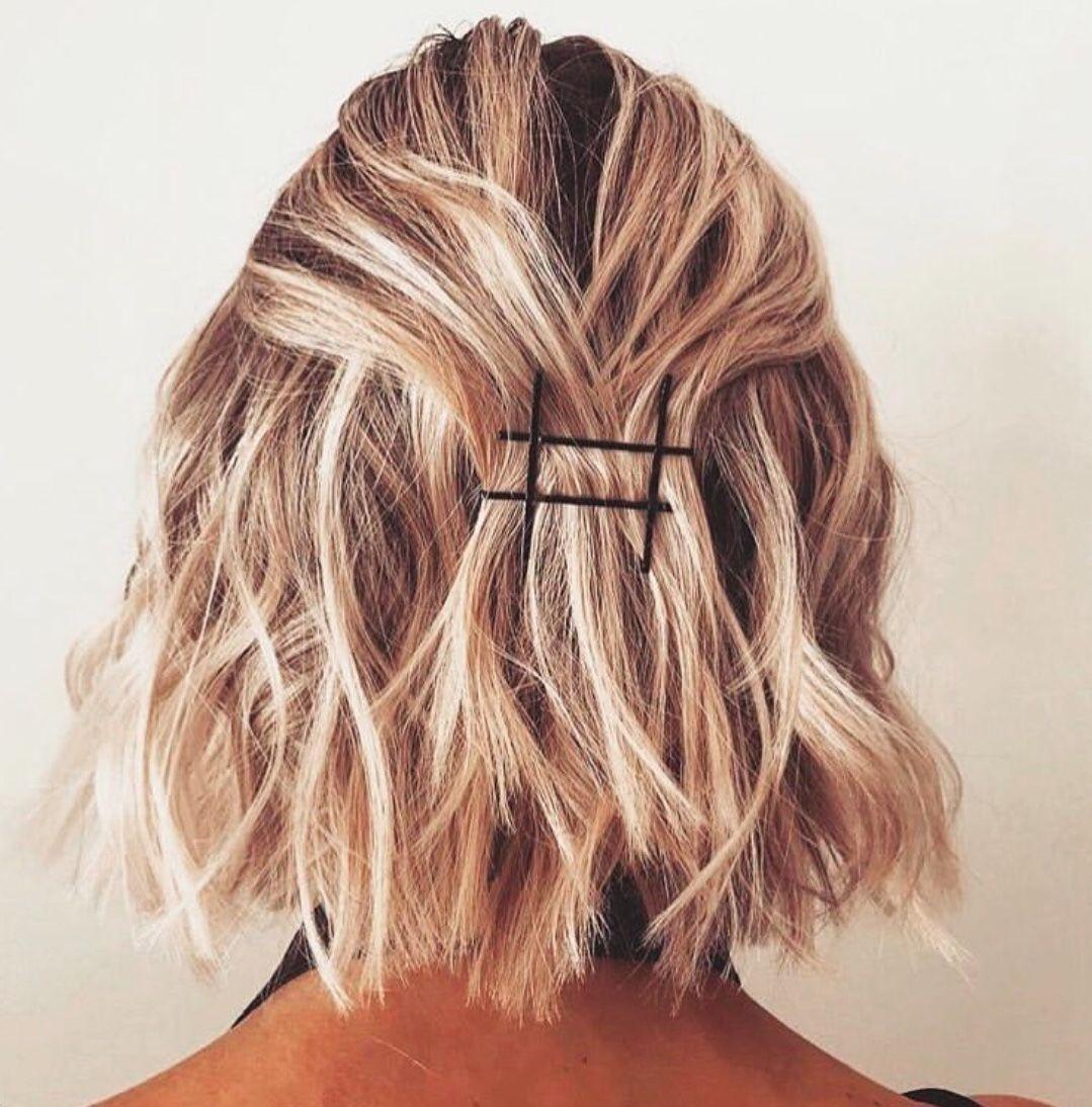 Pin by Elizabeth Perez on Kapsels met bobbypins 01 | Medium hair styles, Hair  styles, Womens hairstyles
