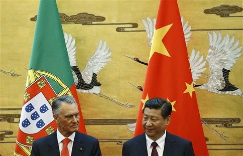The delegation had President Cavaco Silva as head of delegation, but he wasn't alone during the seven days that he was in China between 12 and 18 of May. The 35th anniversary of the establishment of relations between #Portugal and #China was the reason for this visit, after almost ten years from the last visit of the former President Jorge Sampaio in 2005, with the biggest and most complete #Portuguese delegation that has ever visited another country.