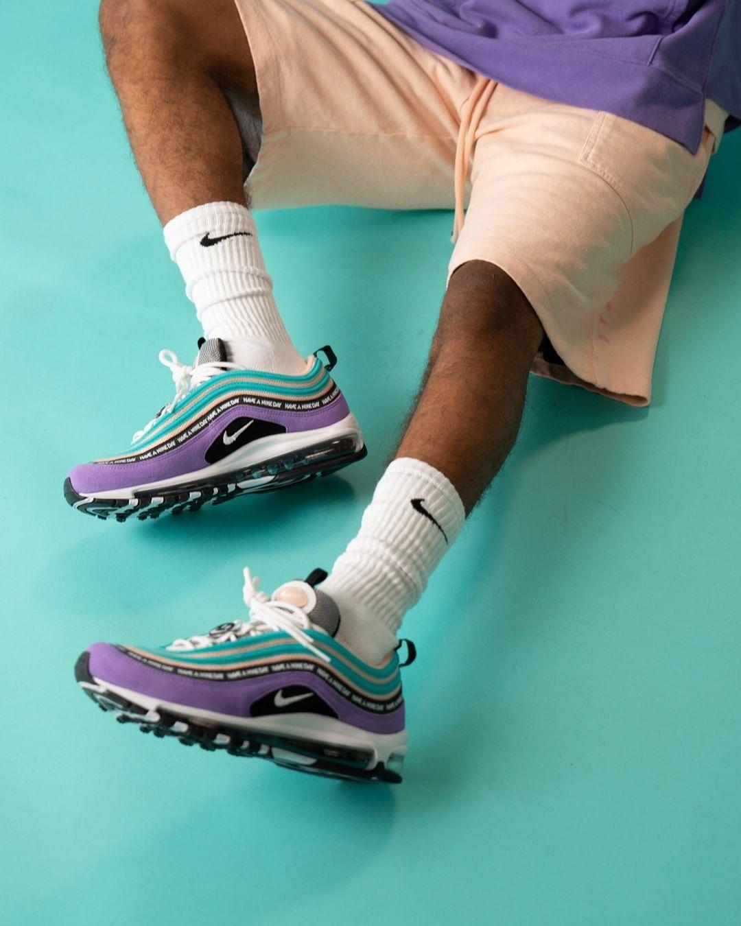 Nike 2019 HerrenDamen Schuhe Kleidung Im Verkauf Store
