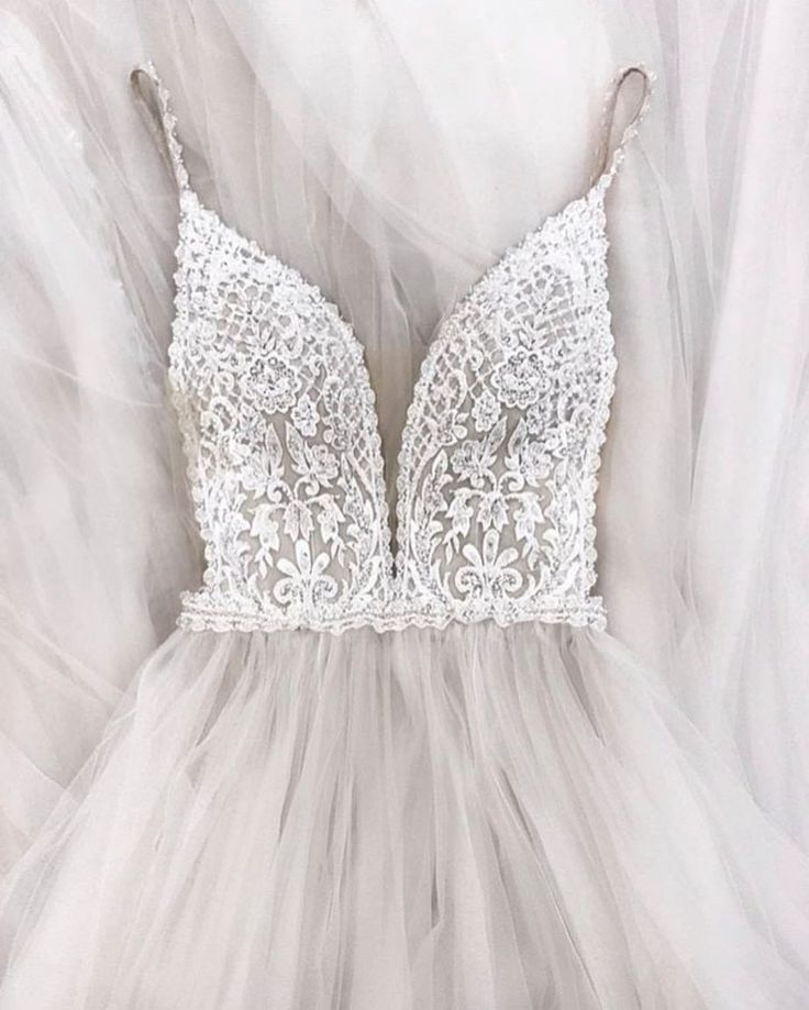 """Inspo für das tägliche Hochzeitskleid auf Instagram: """"I do do This Allure Bridals taub"""