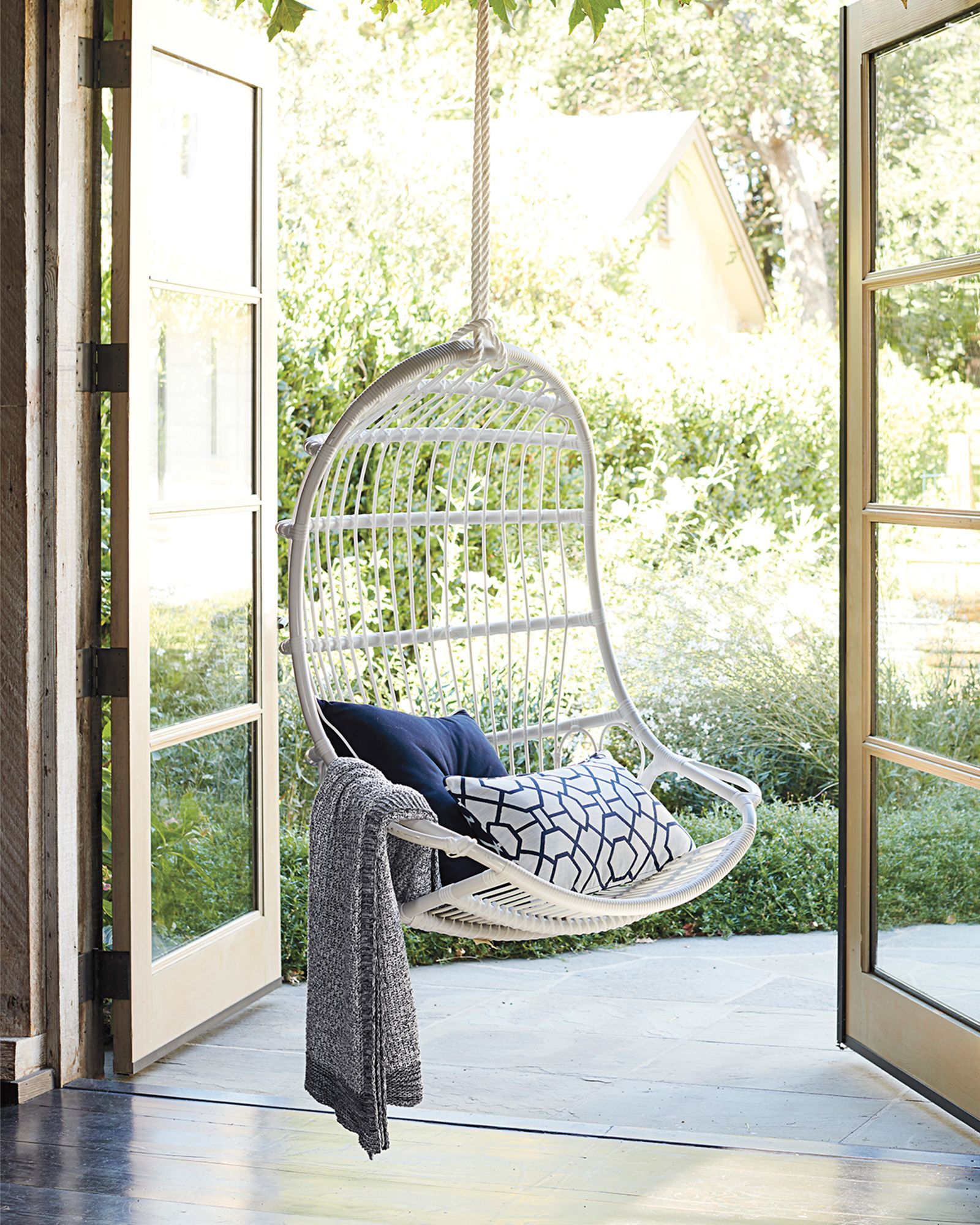 Outdoor Hanging Chair With Images Hanging Chair Outdoor