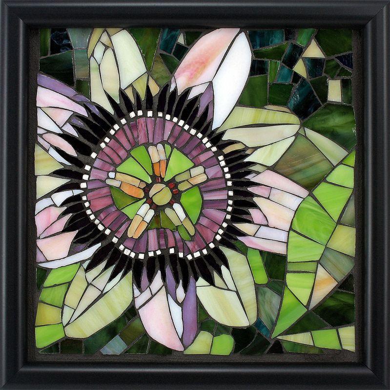 Passion Flower\' Artist Brenda Pokorny   Mosaicos, Flores y Vidrio