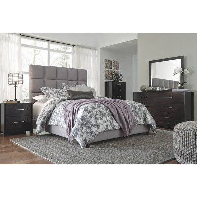 Best Queen Dolante Upholstered Bed Gray Signature Design By 640 x 480