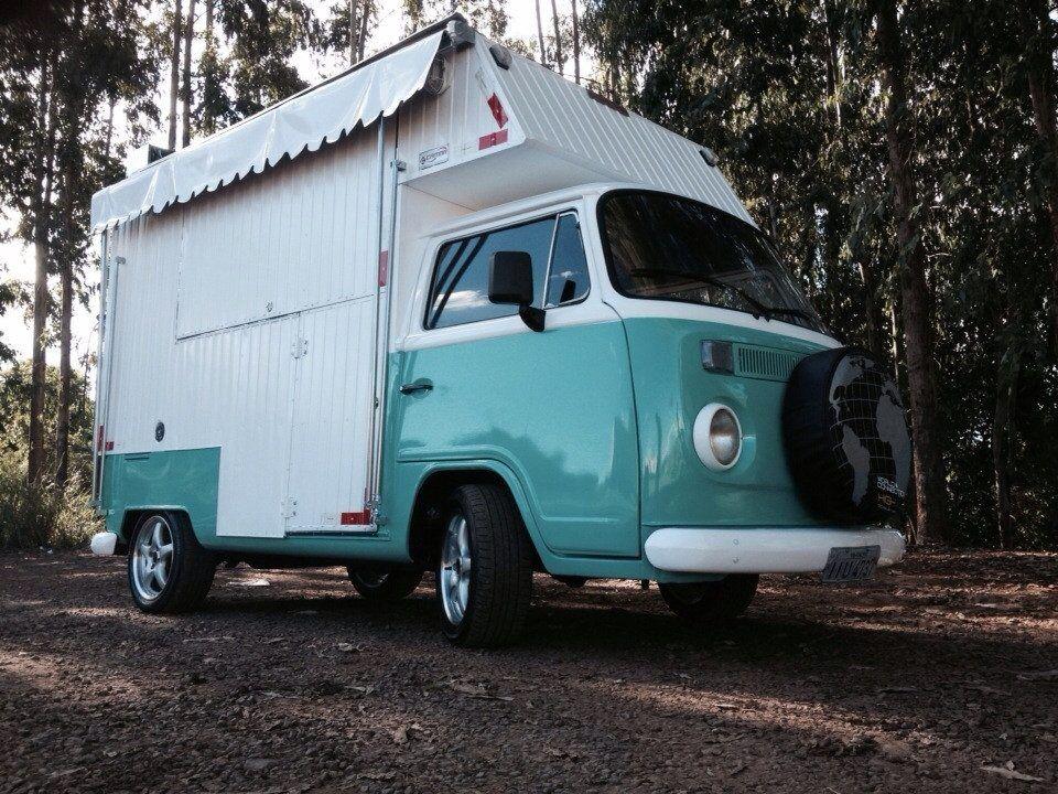 kombi food truck adaptada para comercializacao de lanche