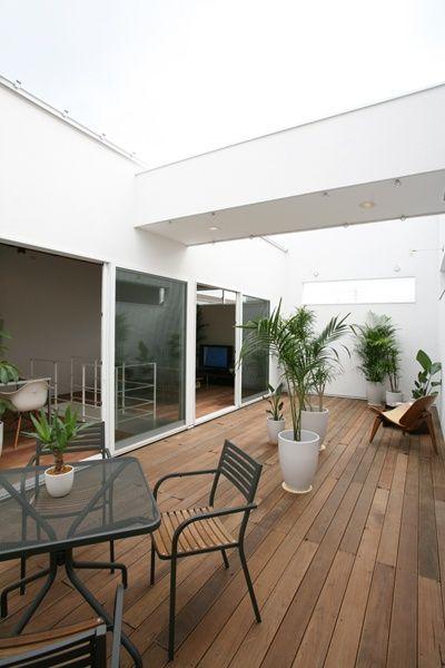 ldkと同じ広さのテラスを持つ家 Sturdy Style 一級建築士事務所