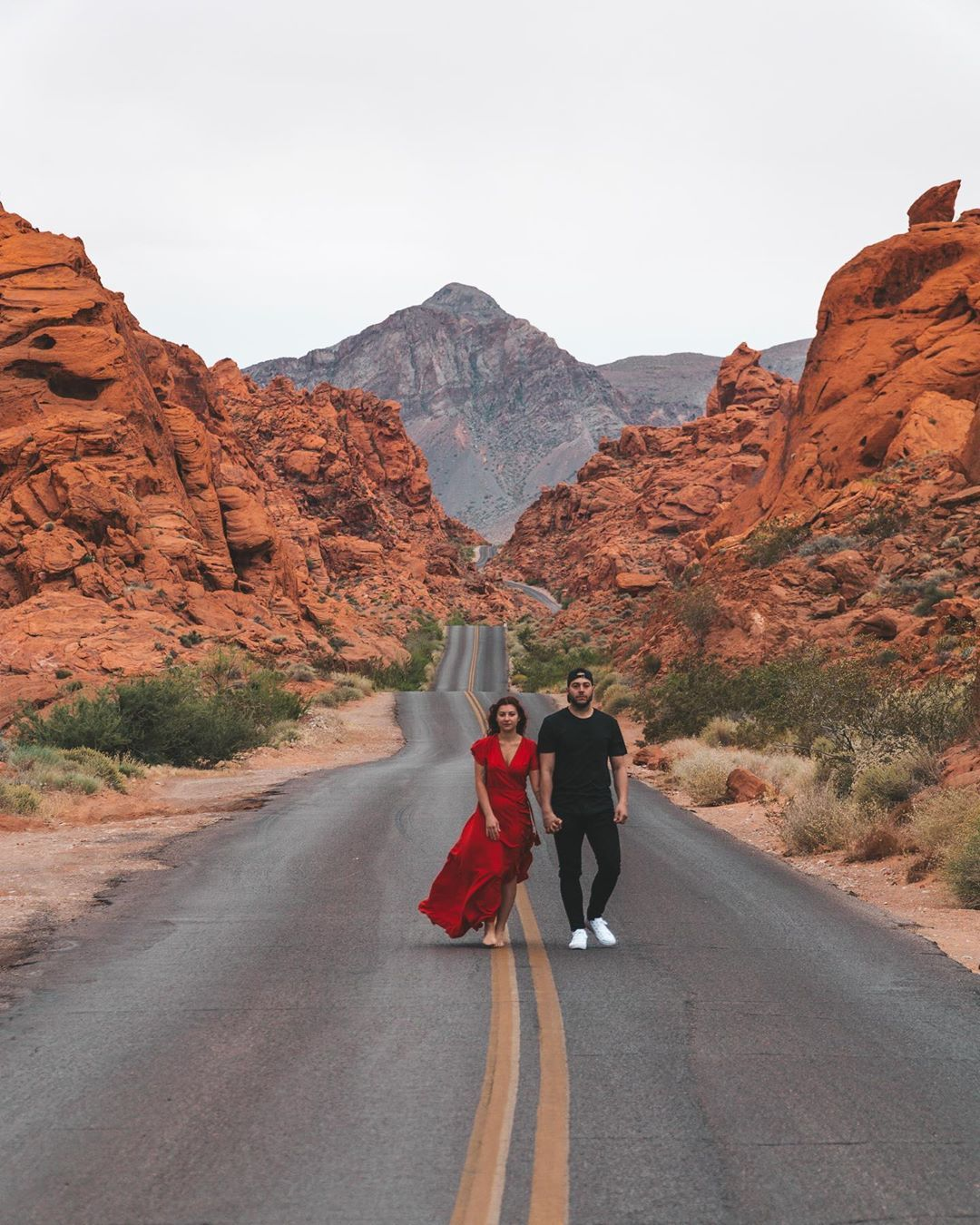 Exploring the famous Mouse Tank Road in Valley of Fire