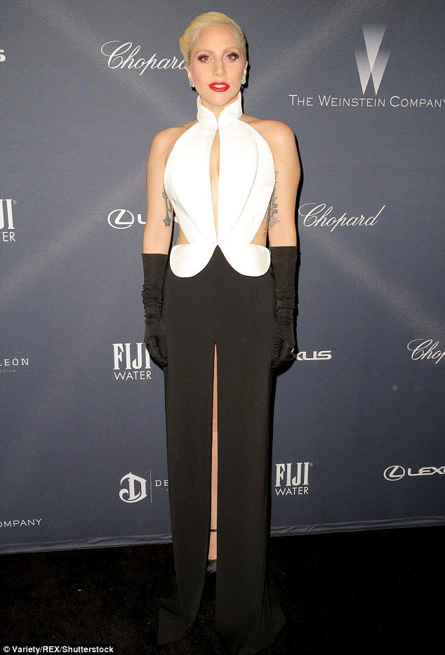 Lady Gaga shows cleavage at pre-Oscars 2016 dinner with fiancé Taylor  Kinney  9f3ffe57c