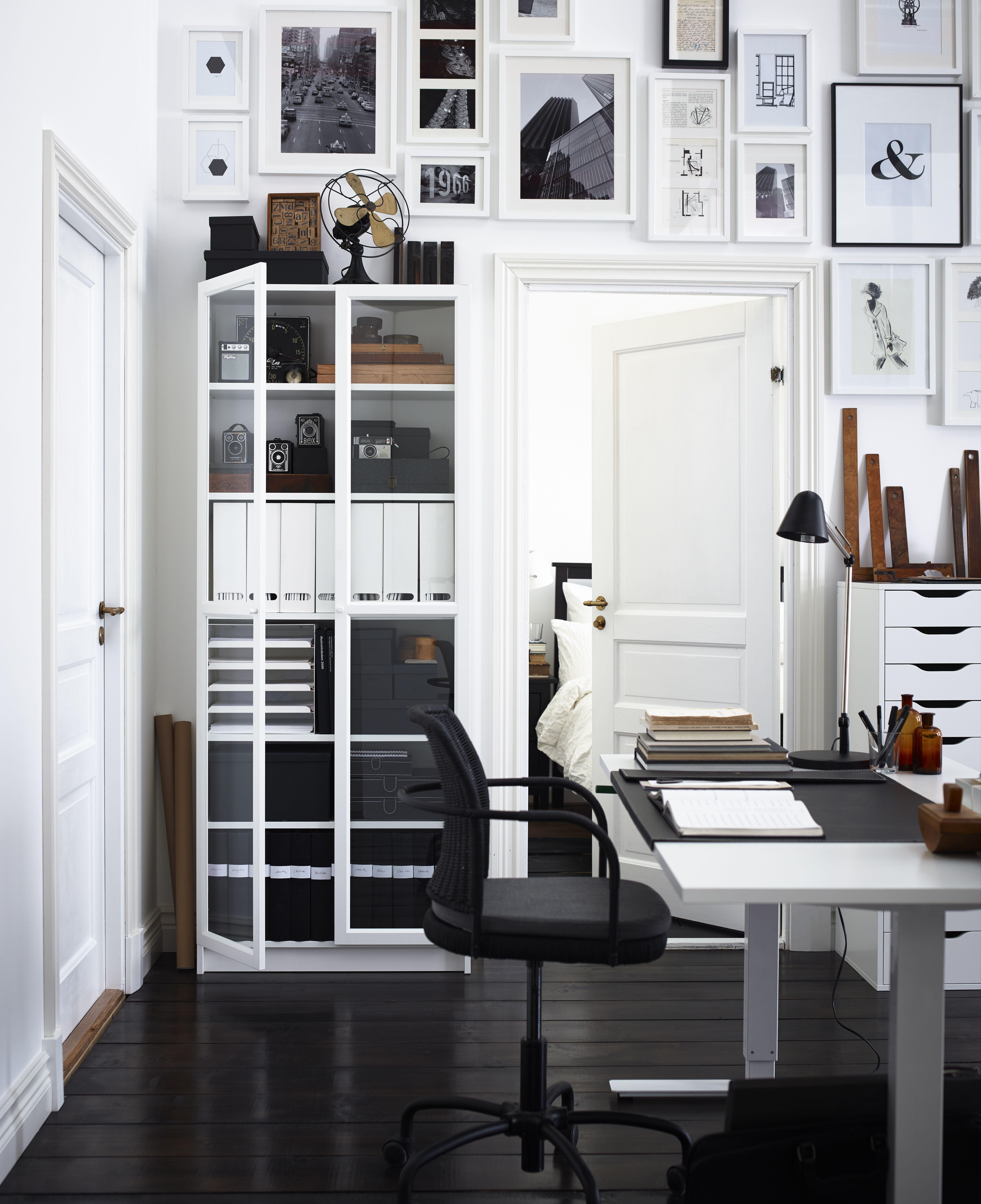Billy Regal Hacks So Pimpen Sie Den Ikea Klassiker Das Haus Billy Oxberg Bucherschrank Mit Glasturen Billy Regal