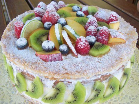 Torta Con Bavarese Alla Vaniglia Sfoglia E Frutta