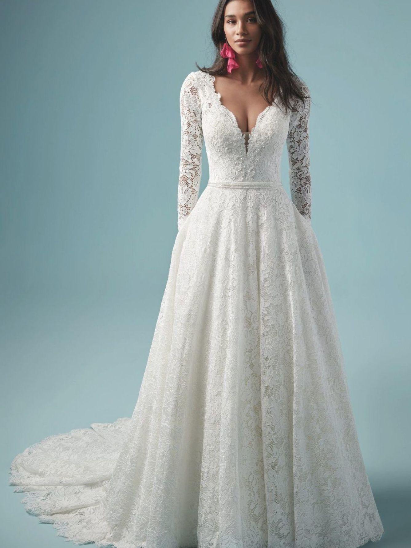 Pin By P Dewi K Z On Future Ideas In 2020 Long Sleeve Ball Gown Wedding Dress Ball Gown Wedding Dress Wedding Dress Long Sleeve