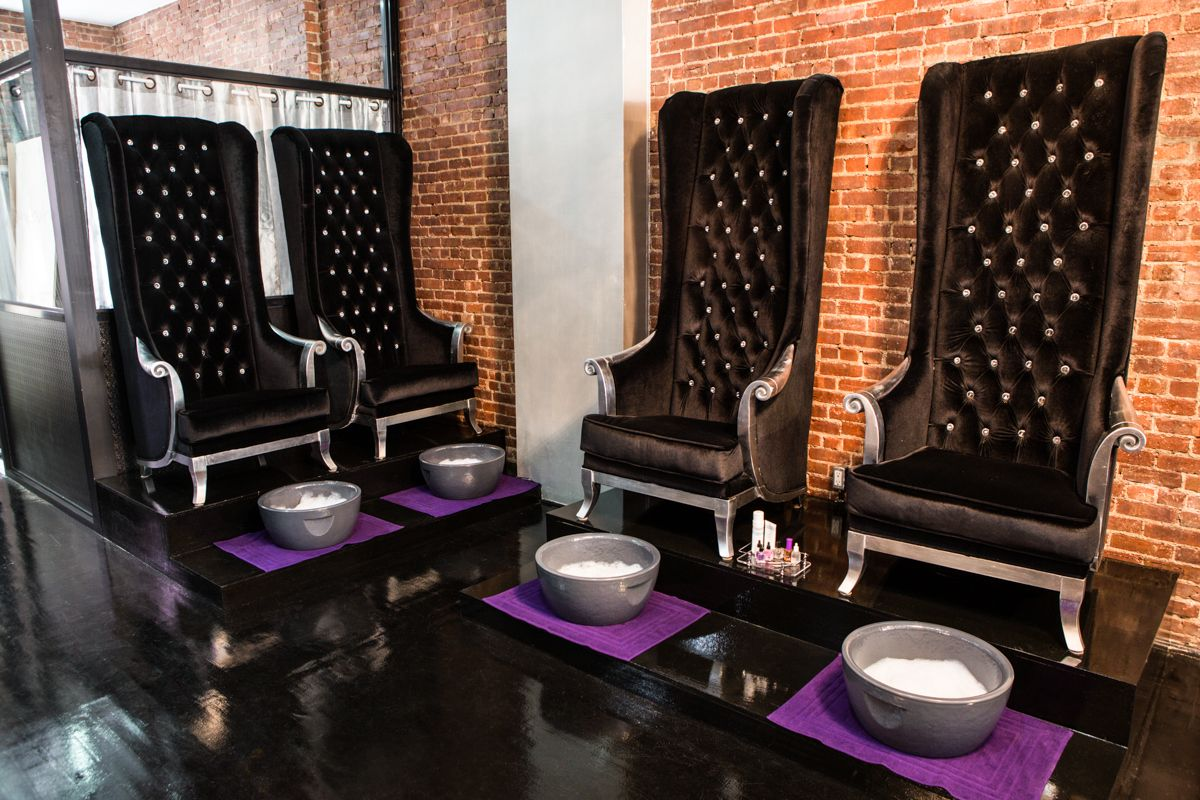Nail salon chair - Cool Salons Bed Of Nails Salon Fanatic