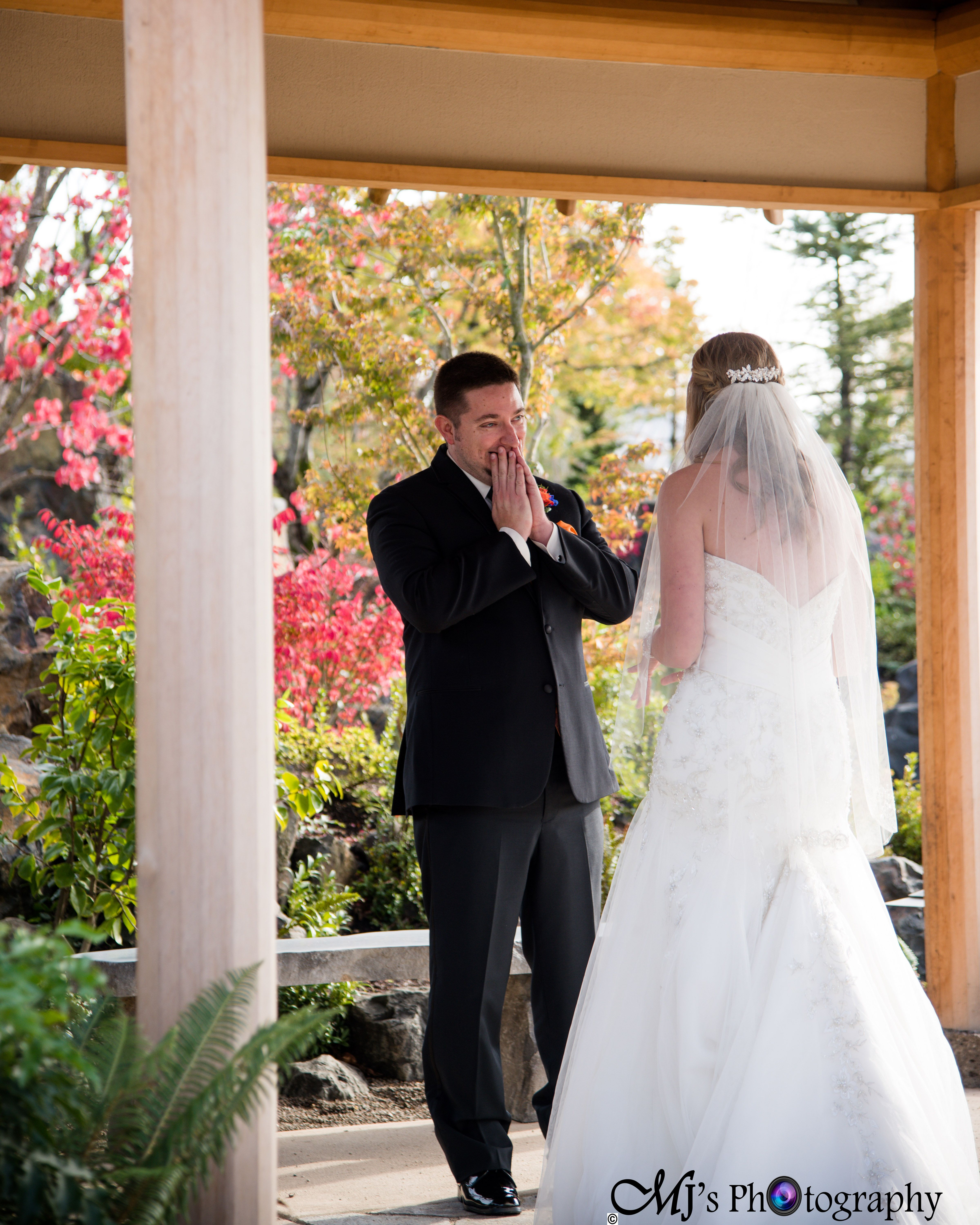 Local Photographer Eugene Bend Portland Albany M Oregon First Look Bride And Groom Wedding Day Getting Ready Gown Bridal Veil