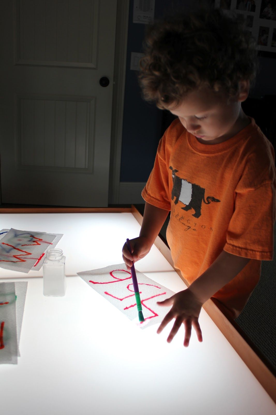 Paper Towels... Colors... Water | Activities For Children | Clay and Crafts, Playing with Light | Play At Home Mom