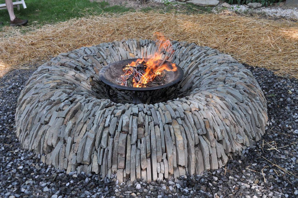 Dan Snow S Fire Pit Was Built Out Of Local Vermont Soap Stone Using Larger Pieces The Benefit O Outdoor Feuerstelle Feuerstelle Garten Dekorative Gartenzaune