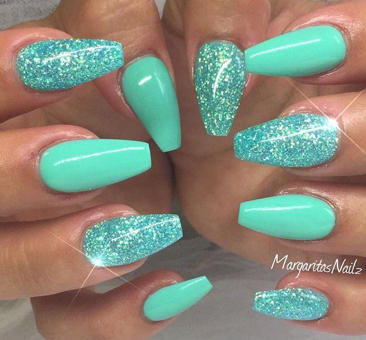 turquoise glitter naels nails