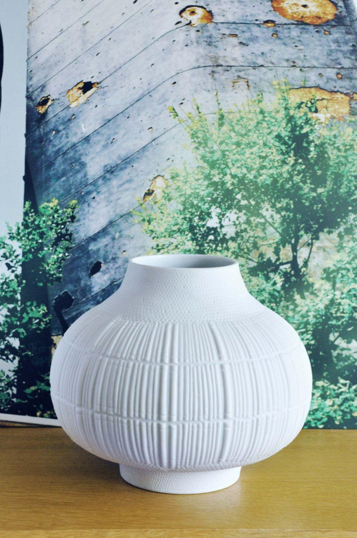 Mid Century Op Art Vase By Rosenthal Studio Line German White Matte