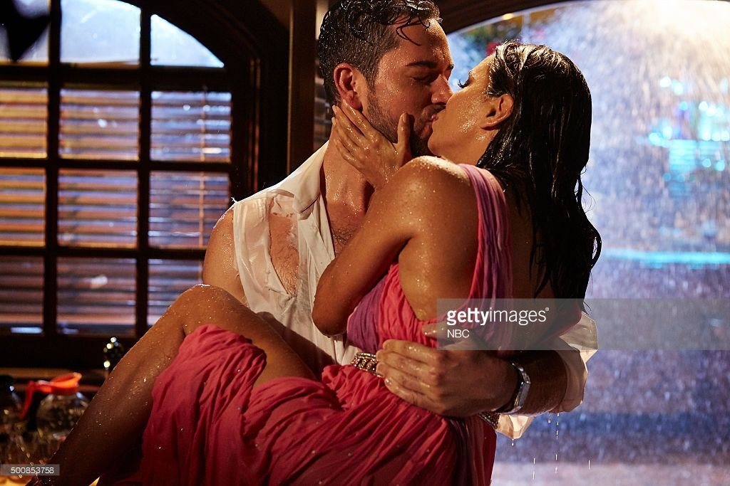 TELENOVELA -- 'The Kiss' Episode 103 -- Pictured: (l-r) Zachary Levi as James McMann, Eva Longoria as Ana Sofia Calderon --