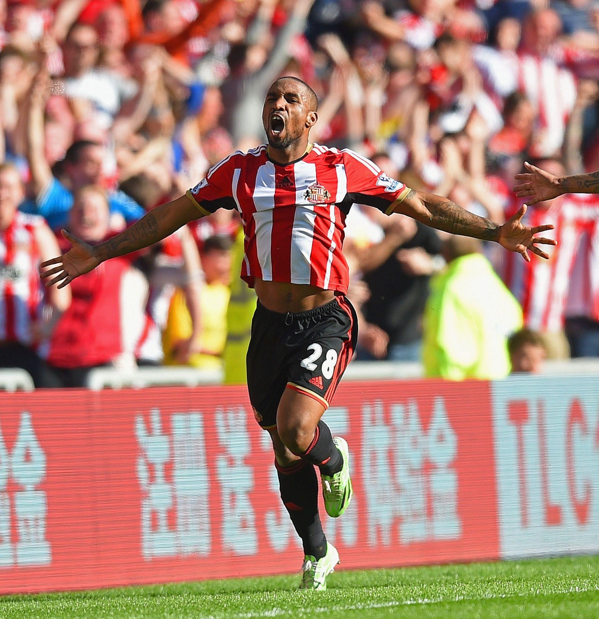 Jermaine Defoe Of Sunderland Afc Against Newcastle United Sunderland Football Sunderland Sunderland Afc