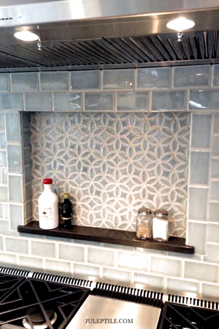 20 Eye Catching Kitchen Tile Backsplash Ideas To Love Ideas In 2020 Trendy Kitchen Backsplash Diy Kitchen Backsplash Kitchen Backsplash