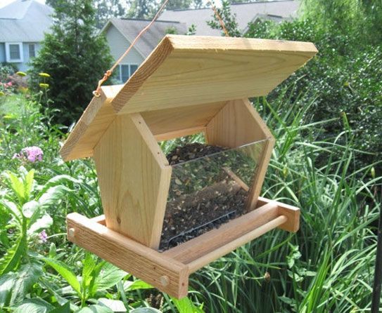 Make your garden attractive with decorative bird feeders for Homemade bird feeder plans
