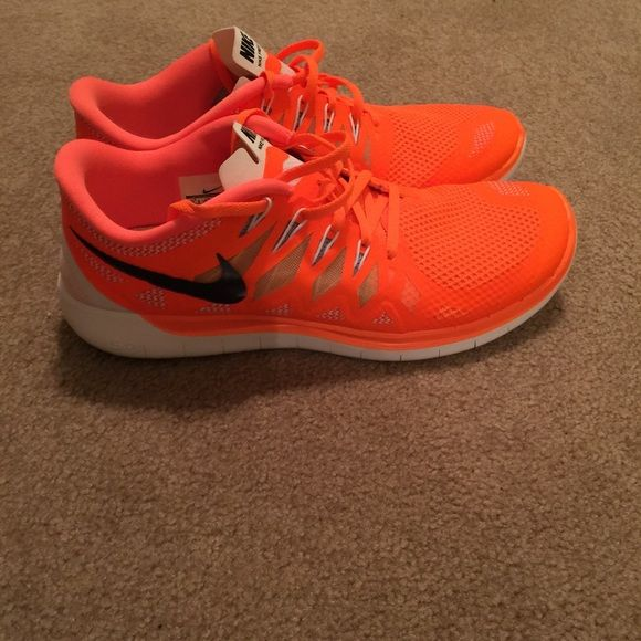 sale retailer a19c8 6144c Nike free run 5.0! Neon orange! Men size 11.5 Nike free 5.0 Running shoe!  Beautiful neon orange, only worn once and in excellent condition!