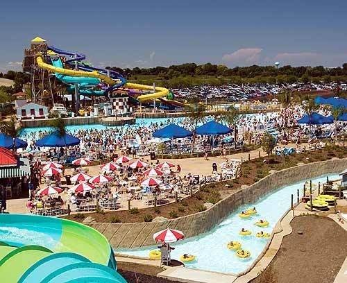 Things To Do In Minnesota Great America Six Flags Great Adventure Adventure Park