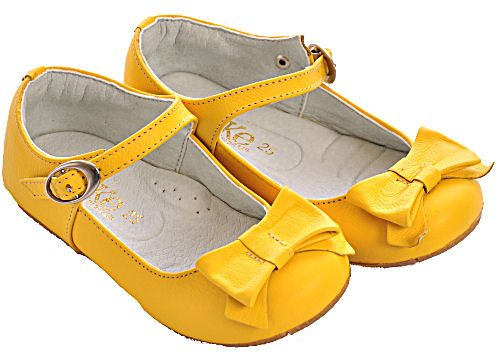 Yellow dress shoes for girls