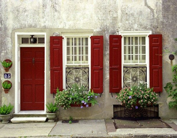 Colonial Home Without Shutters Red Shutters Charleston