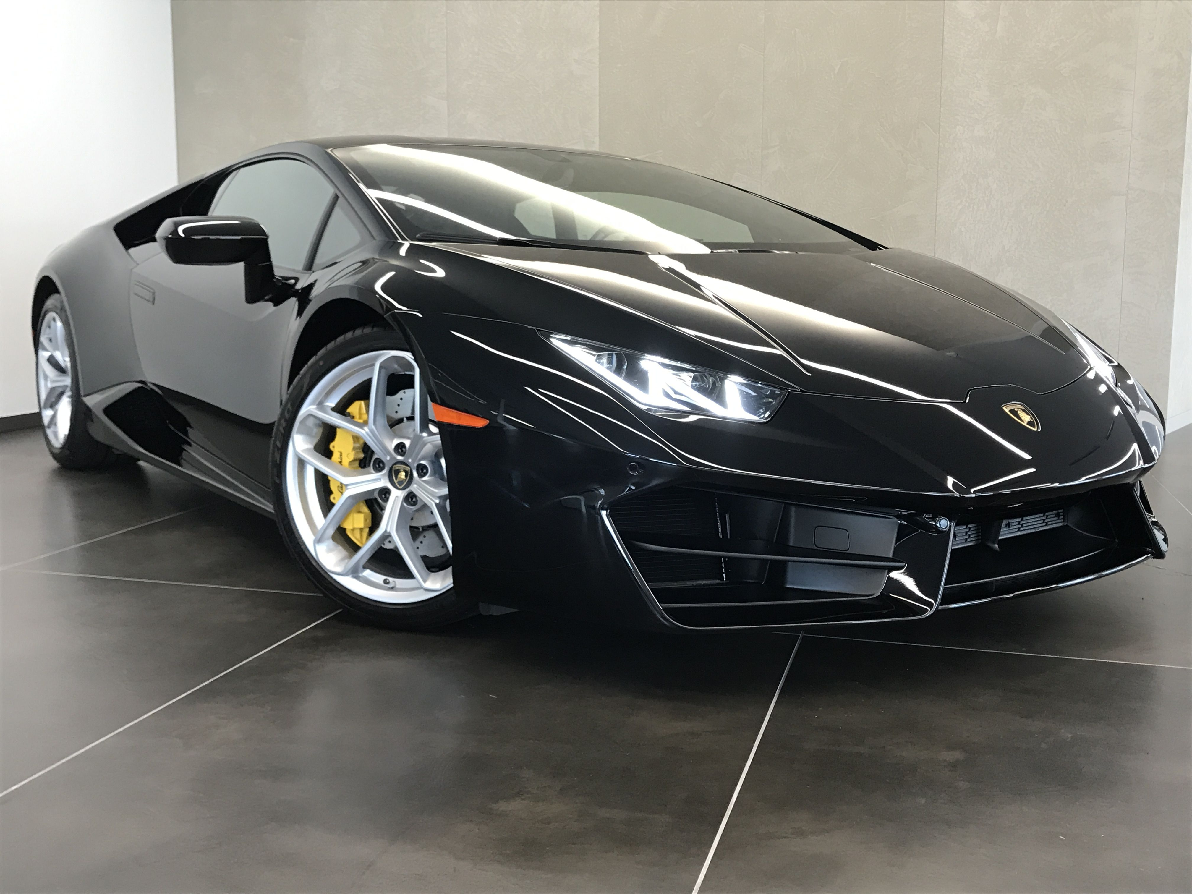 2018 Lamborghini Huracan Lp580 2 Coupe This Lamborghini Huracan Is The Vehicle Others Dream To Own Don Lamborghini Lamborghini Dealership Lamborghini Huracan