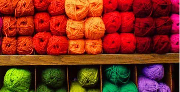 Le tricot : une activité qui favorise le mieux-être, la création de liens et la solidarité
