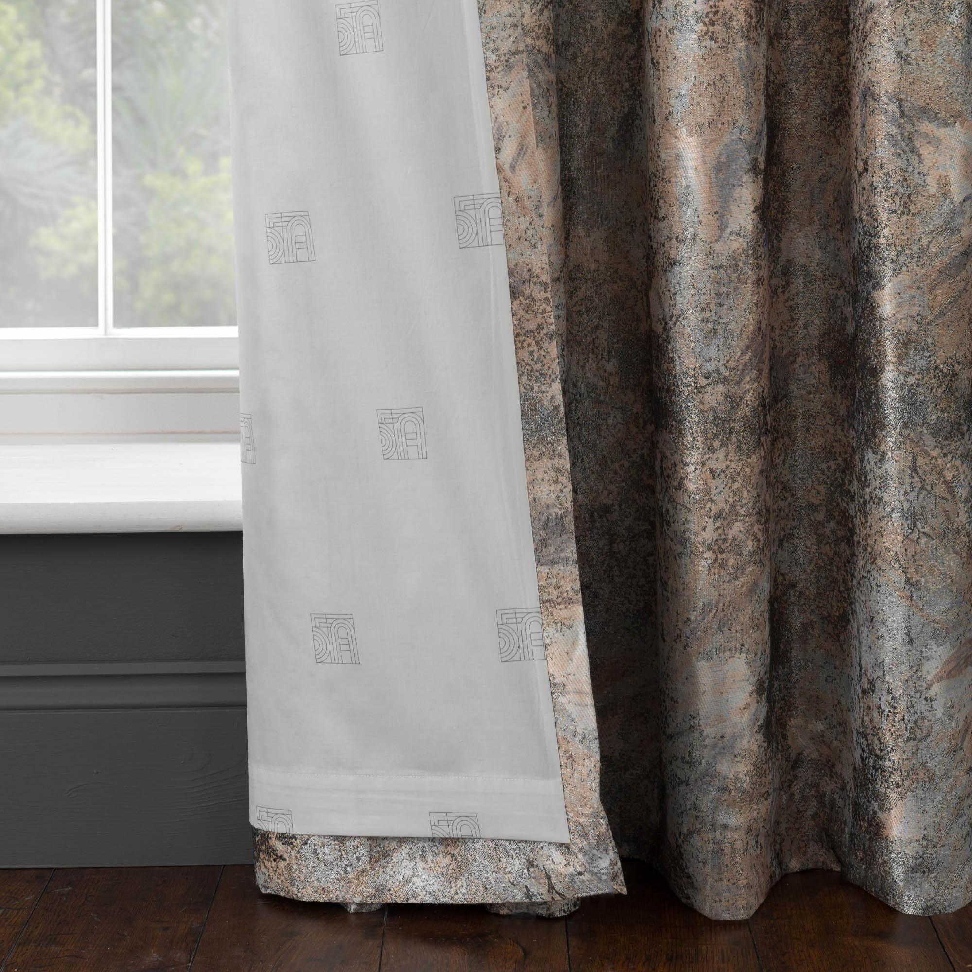 Available in a range of widths and drops, this pair of luxurious Serenity curtains from our premium 5A Fifth Avenue range are fashioned with a quality woven jacquard texture in soft gold tones, are fully lined and complete with a modern eyelet header.