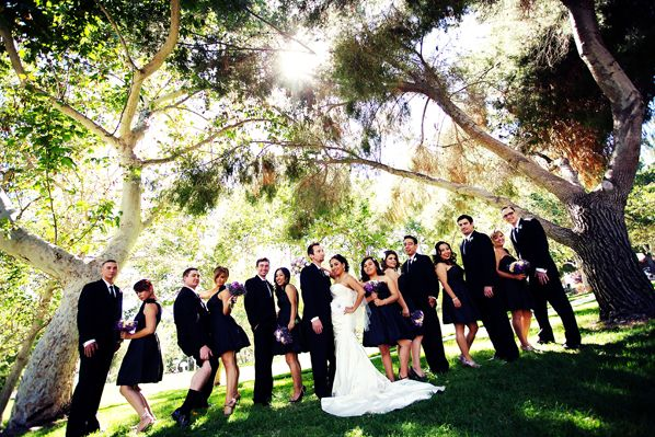 Outdoor wedding photography poses bridal party poses for for Outdoor wedding photography poses