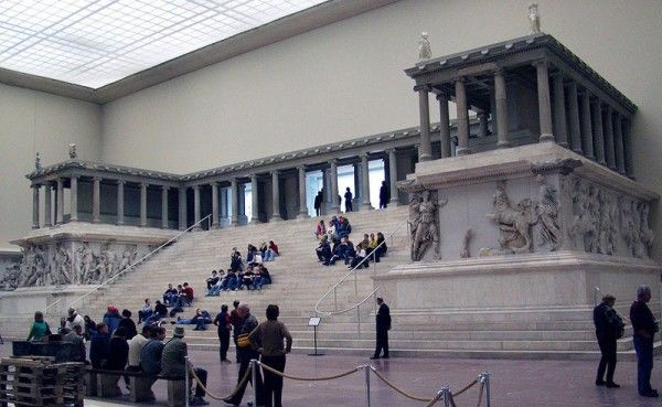 Pergamon Museum A Must See Attraction In Berlin Pergamon Museum Pergamon Pergamon Museum Berlin