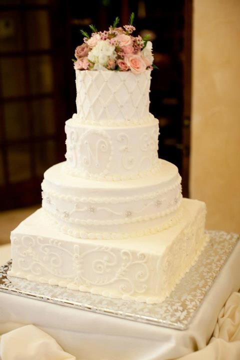 Simple Italian Cream Wedding Cake With No Fondant With Images