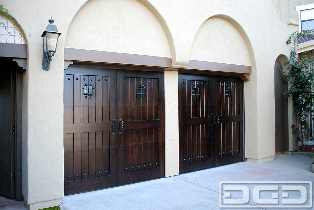 Dynamic Garage Door Custom Garage Doors Garage Door Design Contemporary Garage Doors