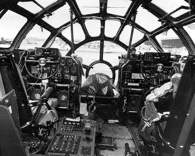 Boeing B29 Flight simulator cockpit, Aircraft photos