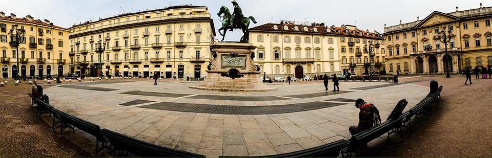 La perfetta simmetria di #PiazzaBodoni! #Torino  (foto di Massimo Max'el)
